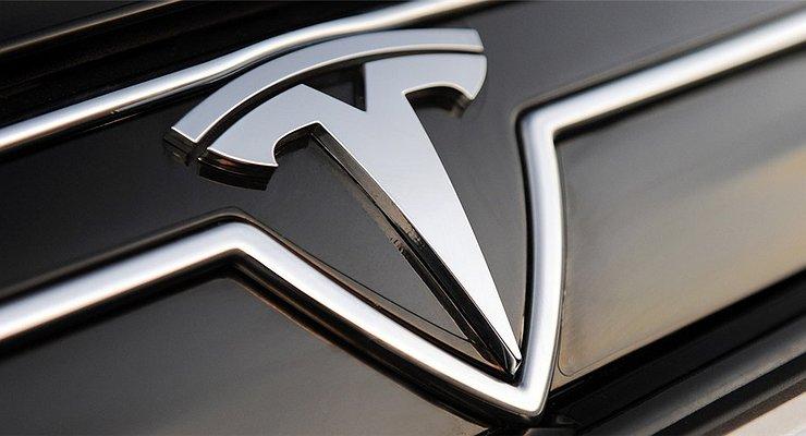 Названа дата премьеры первого электрического грузовика Tesla