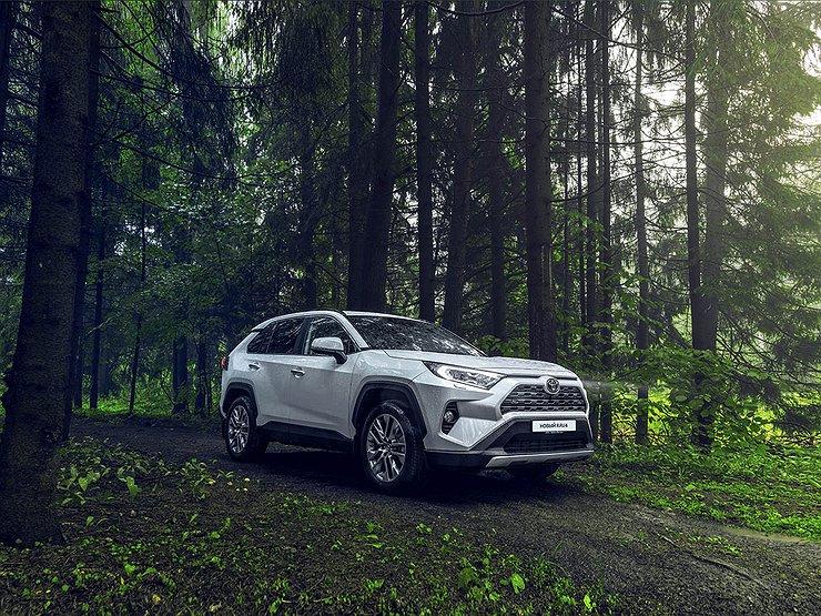АвтомобилиАвтопромЯпонцы останаливают в России производство кроссовера Toyota RAV4