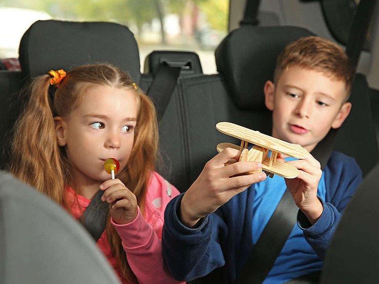 Что делать, если ребенка тошнит в машине