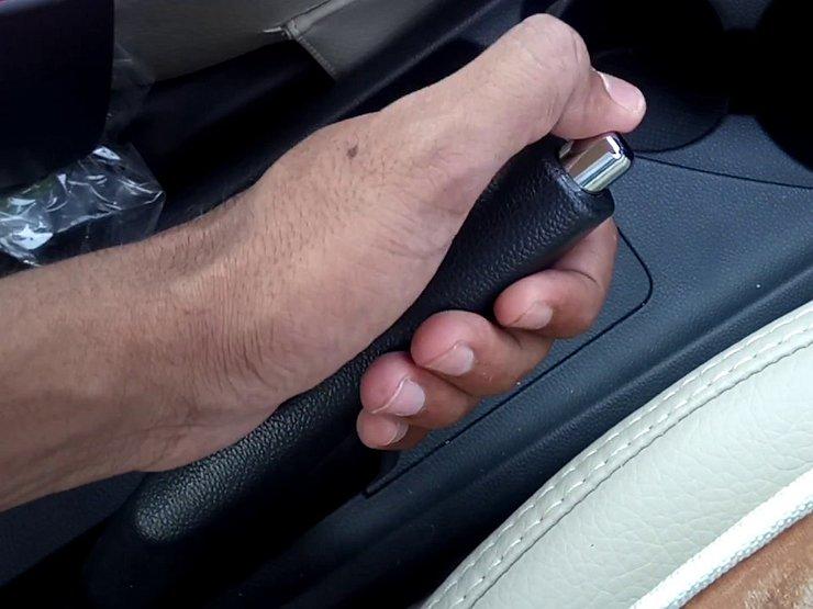 5 ошибок при использовании ручника, сокращающие ему жизнь