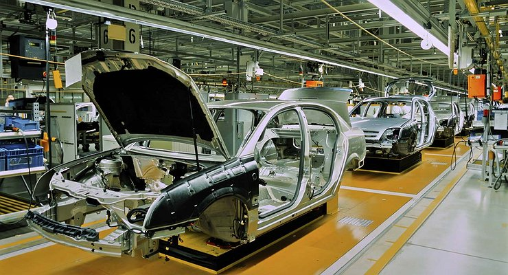 Производство легковых автомобилей вРоссии выросло начетверть