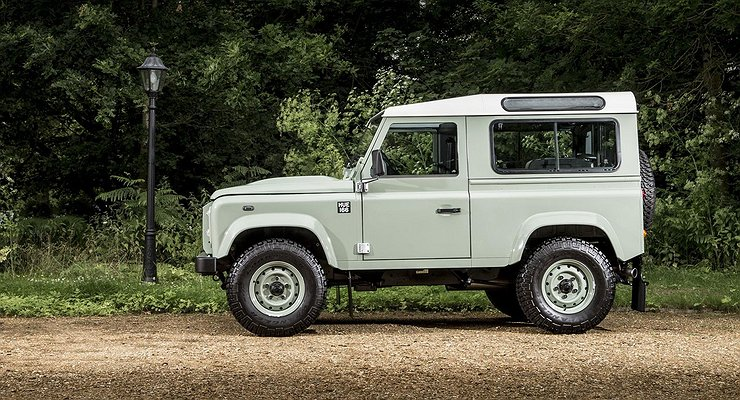 Компания Daimler готовит альтернативу внедорожнику Defender