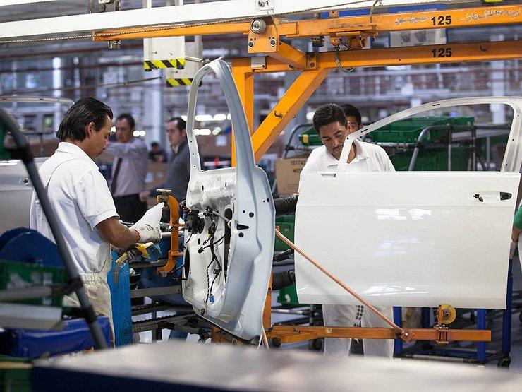 Трамп по новому соглашению сможет наложить пошлины в 25% на импорт авто из Мексики