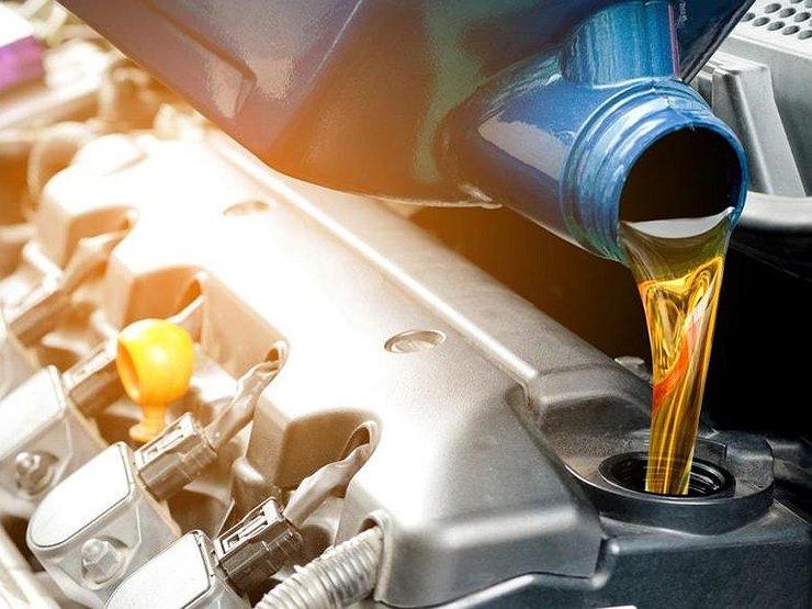 Регулярная замена масла в двигателе