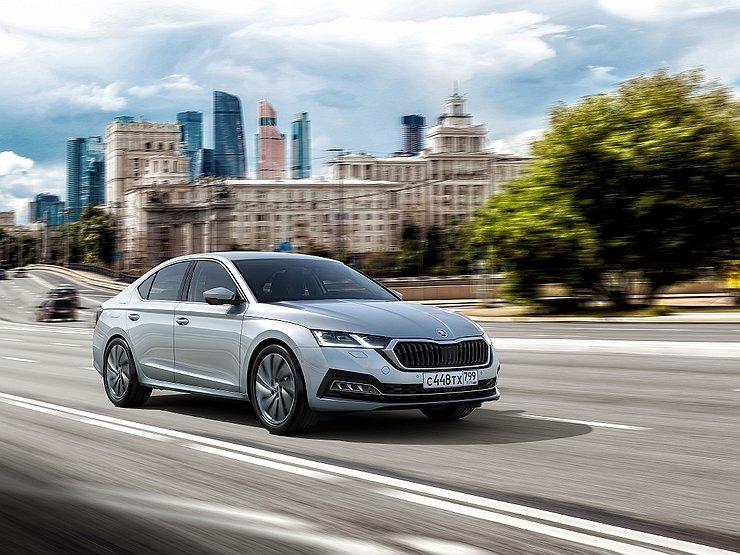 АвтомобилиПрайс-листЦенник новой Skoda Octavia вырос прямо на старте продаж