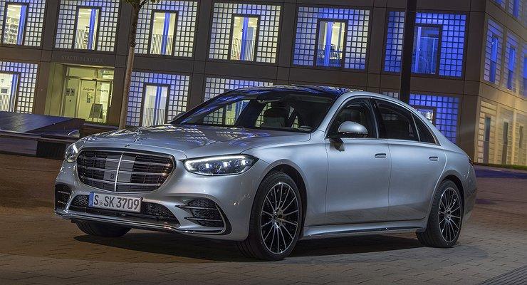 ВРоссию привезли 8-цилиндровый Mercedes-Benz S-класса