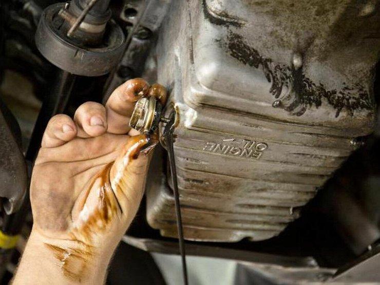 Какие моторы реже всего заставляют автовладельцев менять масло