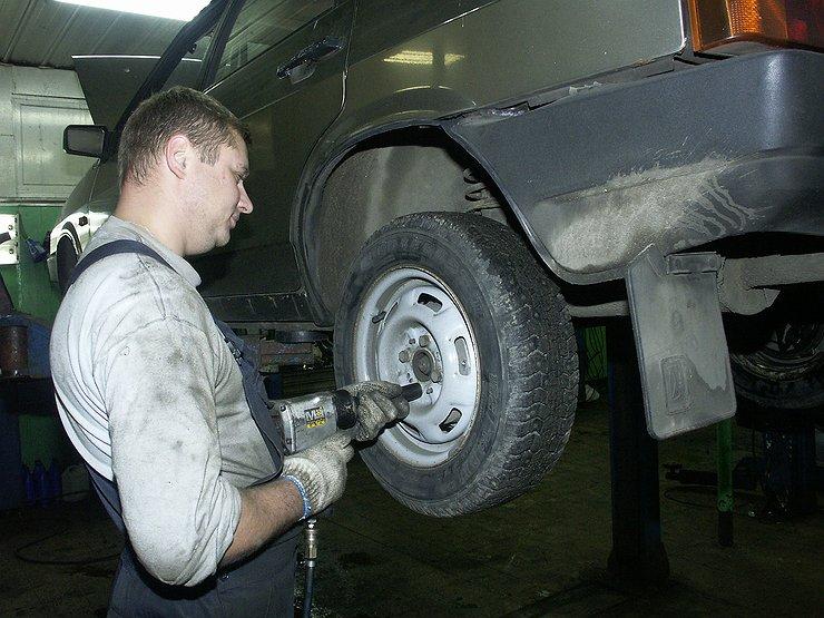 Почему гудят шины, и как самостоятельно побороть этот недуг