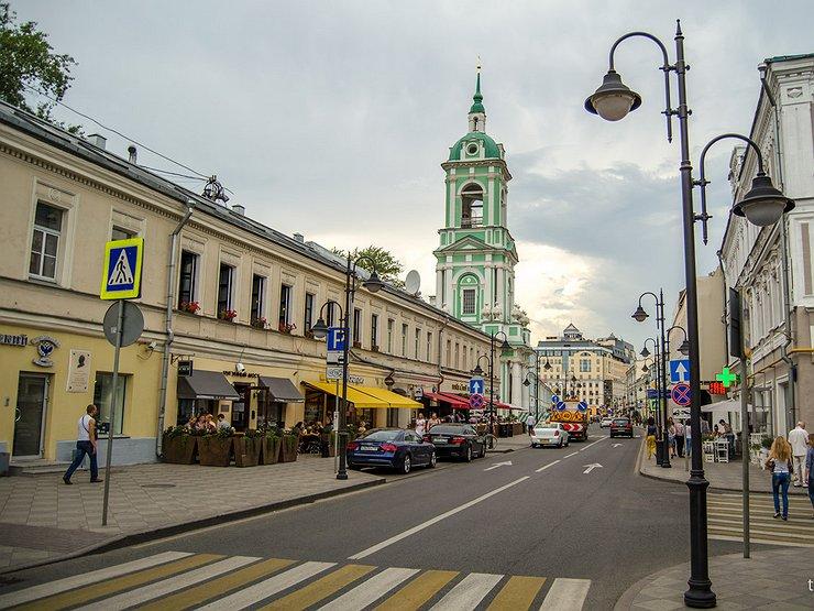 Московские водители призывают к бойкоту ресторанов, оккупировавших городские парковки