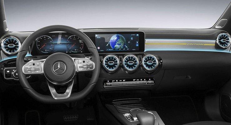 Mercedes-Benz показал интерьер нового A-Class