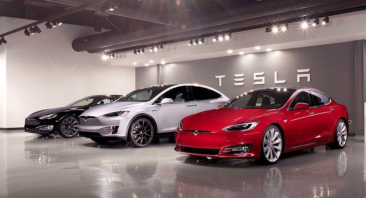 Обманувшая заказчиков Tesla ищет виноватых настороне