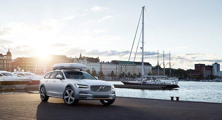 Названы российские цены нановый Volvo V90 Cross Country