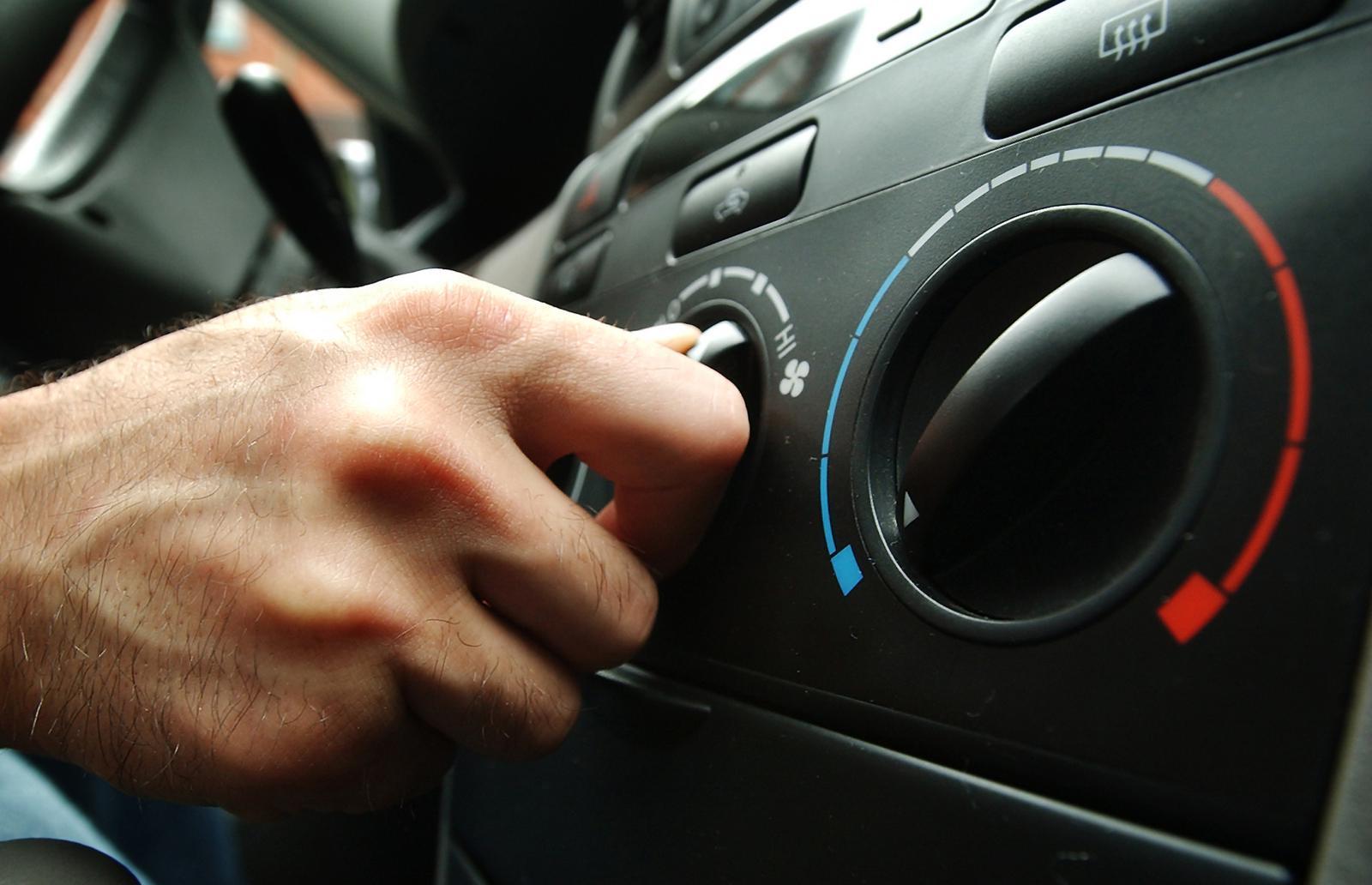 Три ошибки водителя, «убивающих» кондиционер в автомобиле