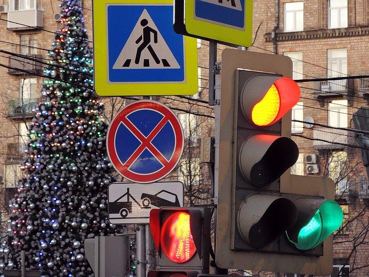 Сколько стоит светофор с установкой в россии