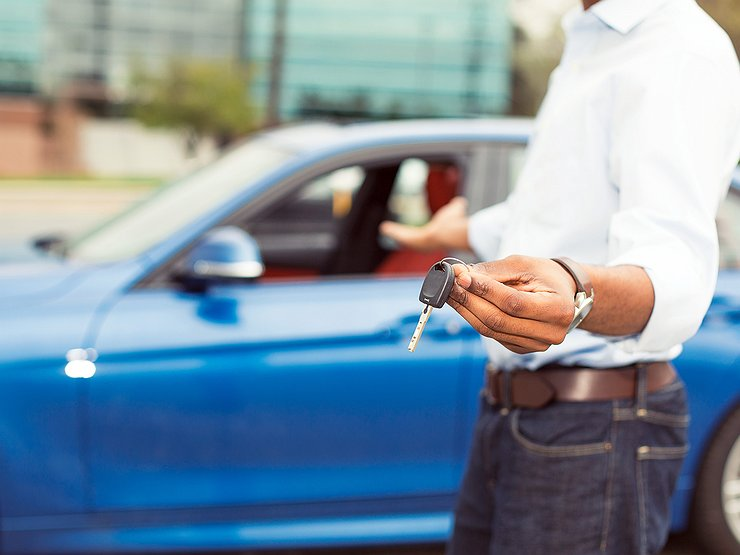 Как перепродать кредитный автомобиль, если ПТС находится в банке