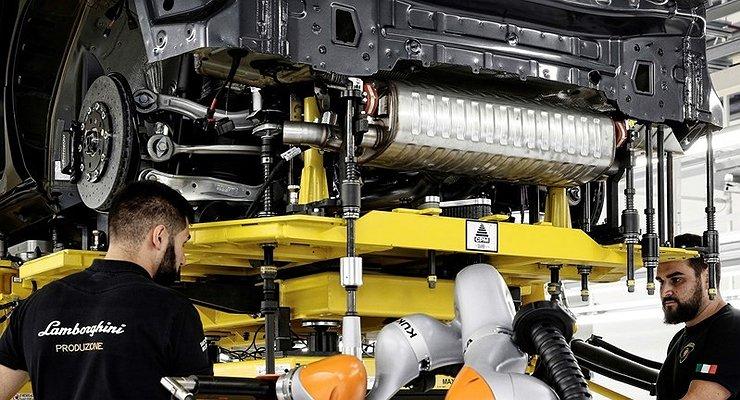 Lamborghini опубликовала фотографию своего нового кроссовера