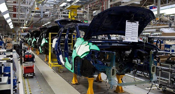 Производство легковых автомобилей вРоссии увеличилось на31,7%