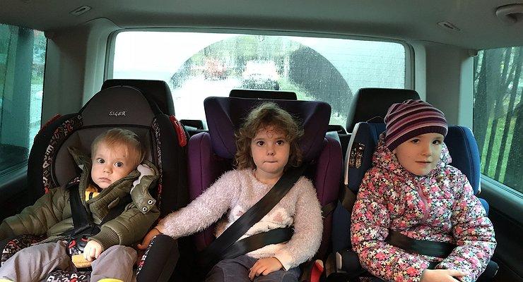 Отнуля досеми: выбираем автокресло для самых маленьких