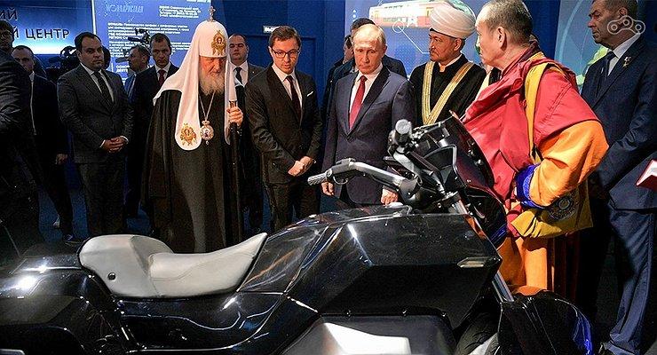Мотоцикл «ИЖ» для Владимира Путина: придется подождать, господин президент