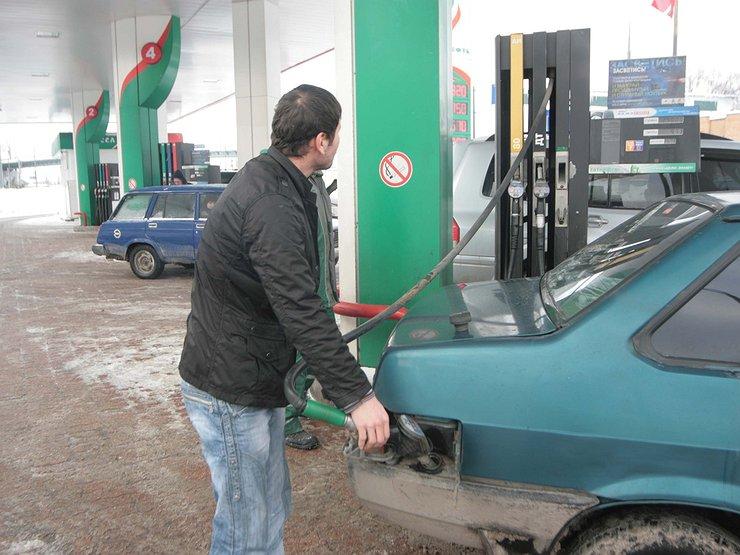 ВУФАС рассказали, насколько вАлтайском крае подорожал бензин