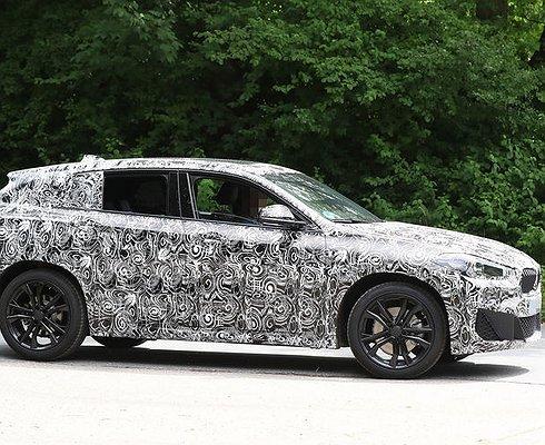Новые подробности окроссовере BMW X2