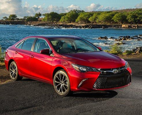 Toyota показала новое поколение Camry вЯпонии