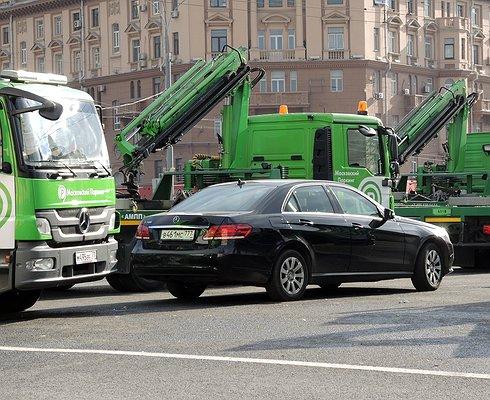 Намосковскую штрафстоянку доставили миллионный автомобиль