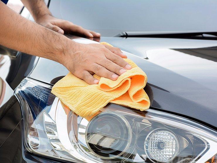 Как защитить кузов автомобиля от тополиных почек