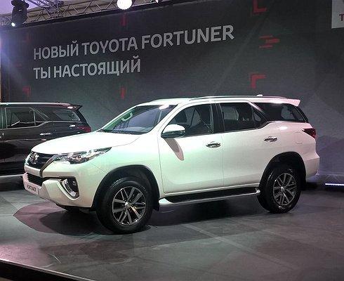 Toyota везет вРоссию рамный внедорожник Fortuner