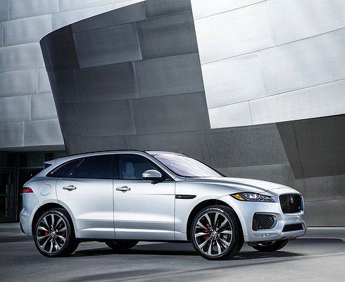 Jaguar XE, XFиF-PACE получили вРоссии новые моторы