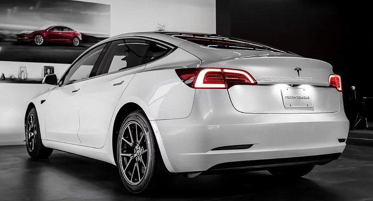 ВРоссии продается подержанная Tesla Model 3