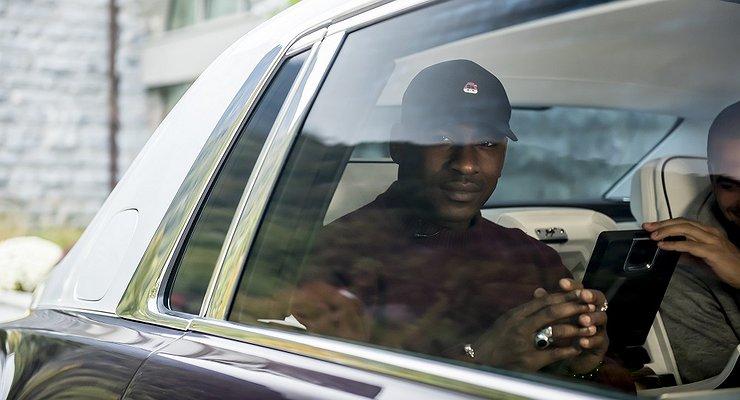Rolls-Royce вынудили отозвать рекламный ролик из-за нарушений ПДД