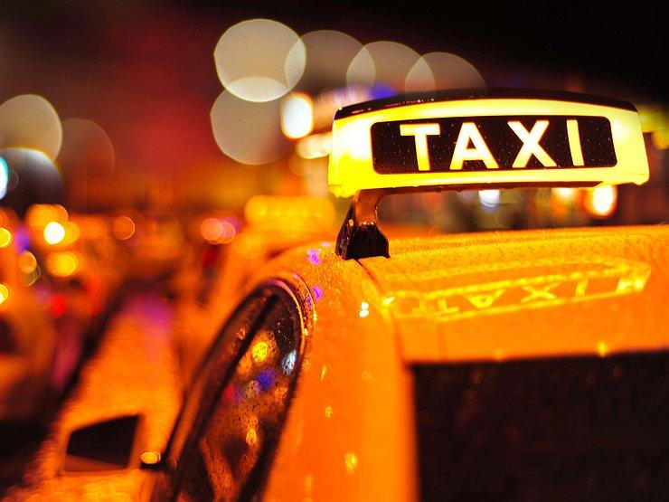 Пассажирка «Яндекс.Такси» подала иск ксервису на60 млн руб.