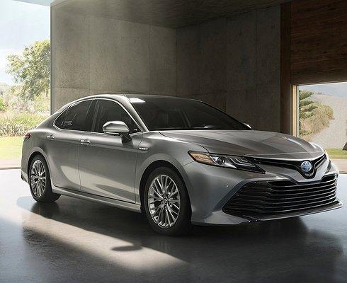 Сконвейера сошла первая Toyota Camry восьмого поколения