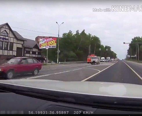 Госчиновник-стритрейсер удалил видео своих скандальных заездов