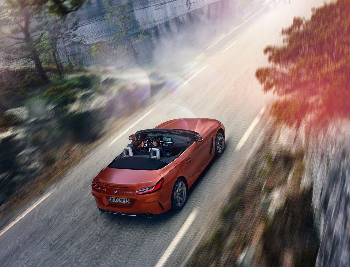 ВСети появились первые официальные фото нового BMW Z4