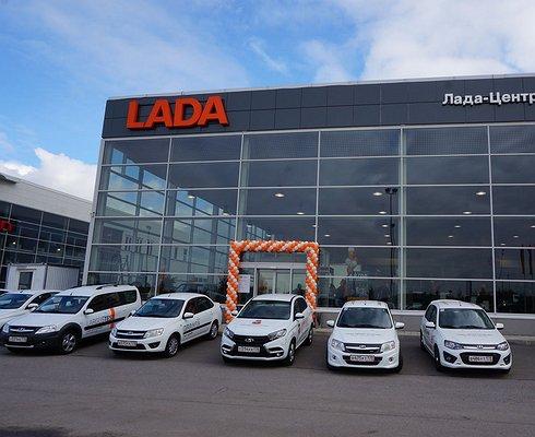 Дефицитный товар: почему сегодня очень сложно купить LADA Vesta