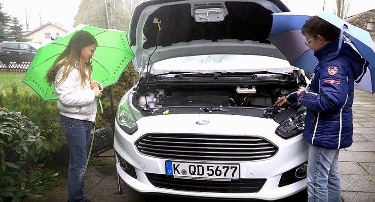 Владельцам автомобилей Ford больше непридется покупать стеклоомывающую жидкость
