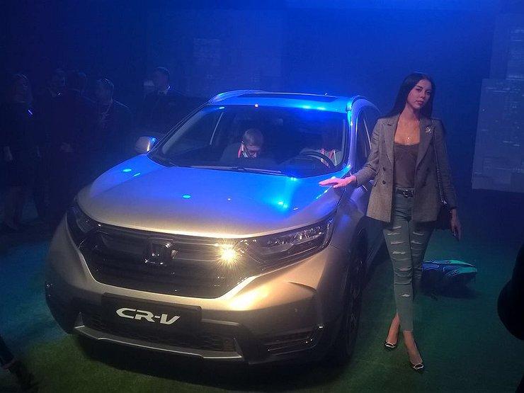 Хонда CR-V четвертого поколения вернулась на русский рынок