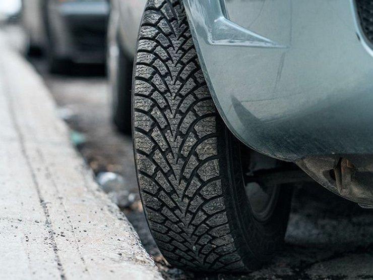 Насколько опасно для гидроусилителя руля стоянка авто с вывернутыми до упора колесами