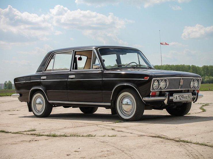 АвтомобилиАвтопромУкраинцы массово скупают российские LADA