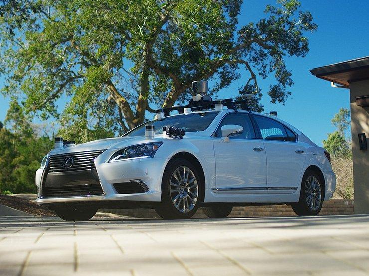 Тойота представила самообучающийся беспилотный автомобиль