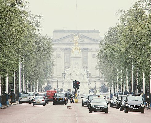 ВВеликобритании запретят продажу бензиновых идизельных автомобилей