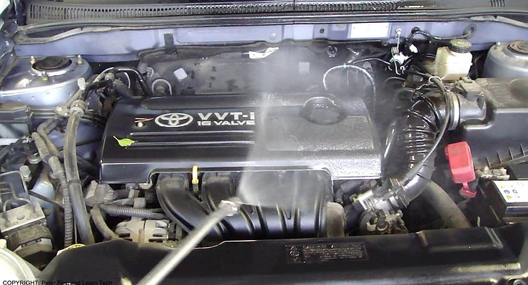 Почему нельзя мыть двигатель автомобиля