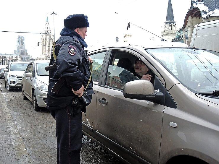 За перевозку родственников и друзей можно получить штраф в 15 000 рублей