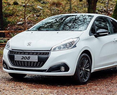 Peugeot представляет 208 вспециальной серии Black Edition