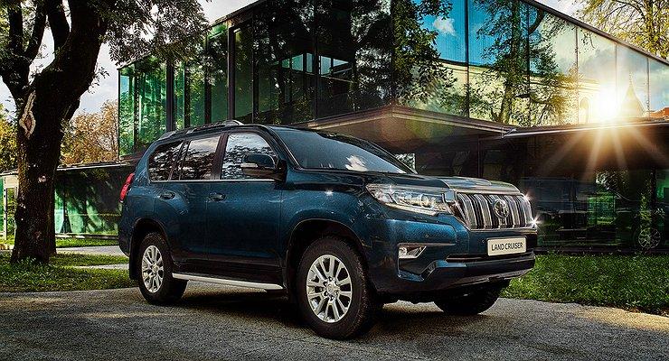Объявлены цены наобновленный Toyota Land Cruiser Prado