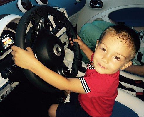 Специалисты назвали лучшее детское автокресло