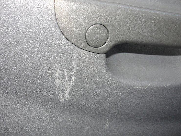 Как убрать царапины на панели автомобиля своими руками 27
