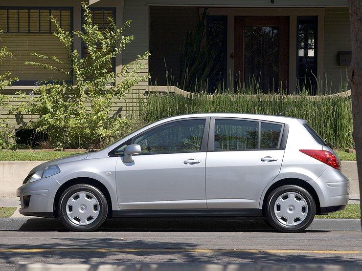 Ниссан отзовет более 50-ти тыс. авто марки Versus